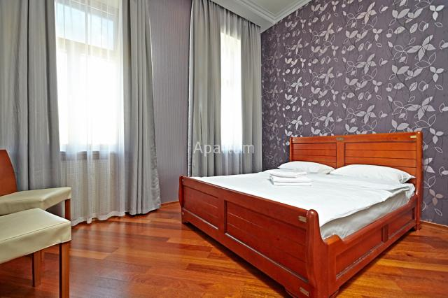 2-комнатная квартира на Невский проспект, д. 73-2 в Санкт-Петербурге