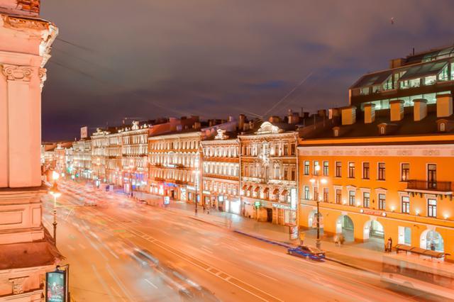 2-комнатная квартира на Невский проспект, д. 79-4 в Санкт-Петербурге