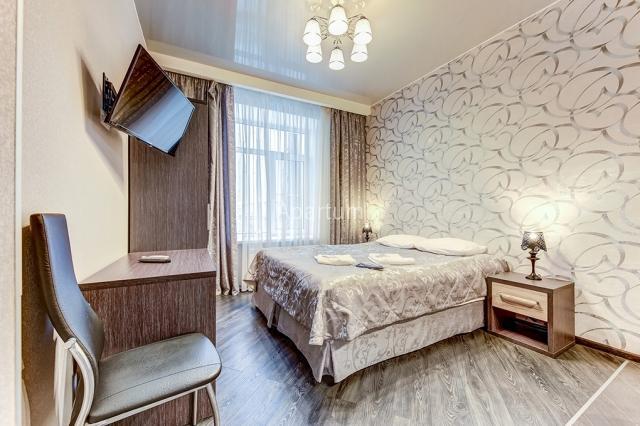1-комнатная квартира на Студия в центре Петербурга, на малой Московской улице в Санкт-Петербурге
