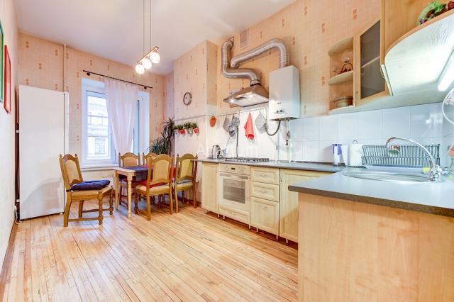2-комнатная квартира на Двухкомнатная квартира с видом на Невский проспект в Санкт-Петербурге