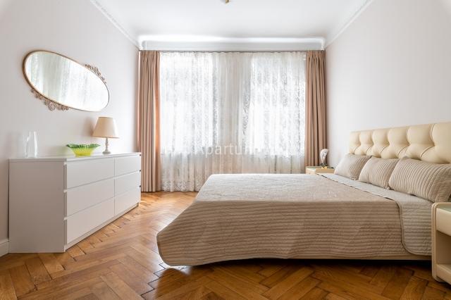 2-комнатная квартира на Трехкомнатная квартира в переулке Ульяны Громовой в Санкт-Петербурге