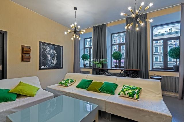 3-комнатная квартира на Трехкомнатные апартаменты у Московского вокзала в Санкт-Петербурге