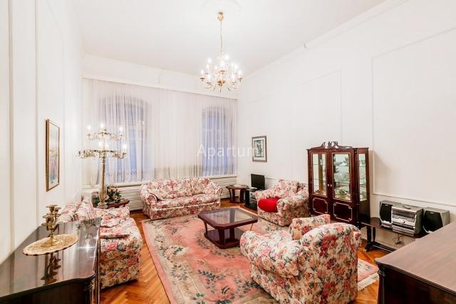2-комнатная квартира на  Двухкомнатная квартира в центре на улице Рубинштейна  д.3-4 в Санкт-Петербурге